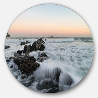 Designart 'Bay of Biscay White Waves Hitting Beach' Contemporary Seascape Large Disc Metal Wall art