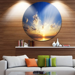 Designart 'Sunset in the Ocean Blue Sky Panorama' Contemporary Seascape Round Metal Wall Art
