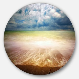Designart 'Exotic Beach on Cloudy Summer Day' Contemporary Seascape Circle Wall Art