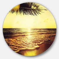 Designart 'Clear Yellow Tropical Coastline' Seashore Round Metal Wall Art