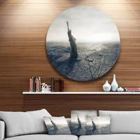 Designart 'Statue of Liberty in Dried Field' Landscape Photo Large Disc Metal Wall art