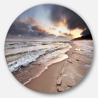 Designart 'Shore of Baltic Sea during winter' Seashore Round Wall Art