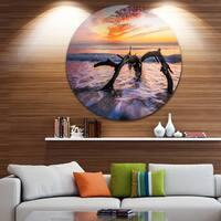 Designart 'Tree and Waves in the Atlantic Ocean' Seashore Large Disc Metal Wall art