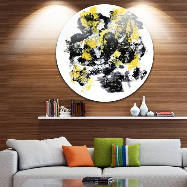 Designart 'Fractal Golden Black Structure' Abstract Art Large Disc Metal Wall art