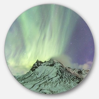 Designart 'Northern Light in Iceland' Landscape Photo Large Disc Metal Wall art