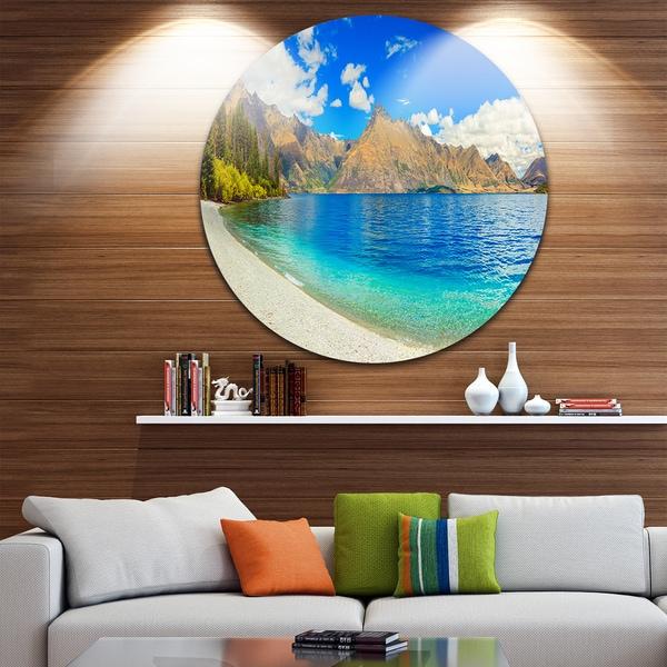 Designart 'Lake Wakatipu Landscape' Photo Round Wall Art