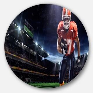 Designart 'American Footballer in Action on Stadium' Sports Disc Metal Artwork