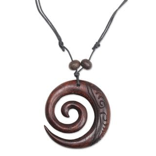 Handcrafted Sono Wood 'Enchanting Spiral' Necklace (Indonesia)