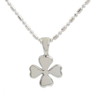Handmade Sterling Silver 'Lucky Clover' Necklace (Thailand)