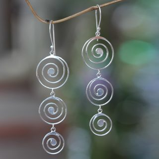 Handcrafted Sterling Silver 'Tropical Storm' Earrings (Indonesia)