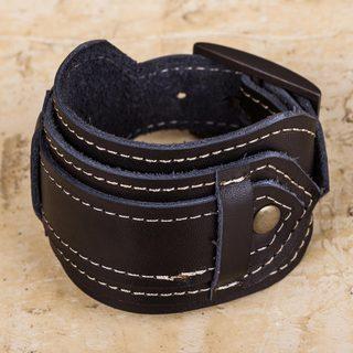 Handmade Leather 'Rugged Black' Bracelet (Peru)