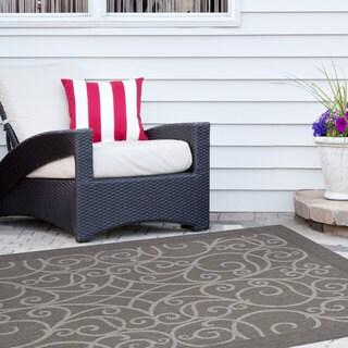 Signature Home Redmond Grey Polypropylene Indoor/Outdoor Area Rug (7'10 x 10')