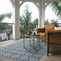 Signature Home Creighton Blue Polypropylene Area Rug (7'10x10') - 7'10 x 10'