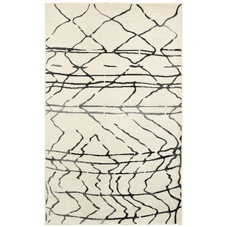 L and R Home Matrix White/ Black Indoor Area Rug (7'9 x 9'5)