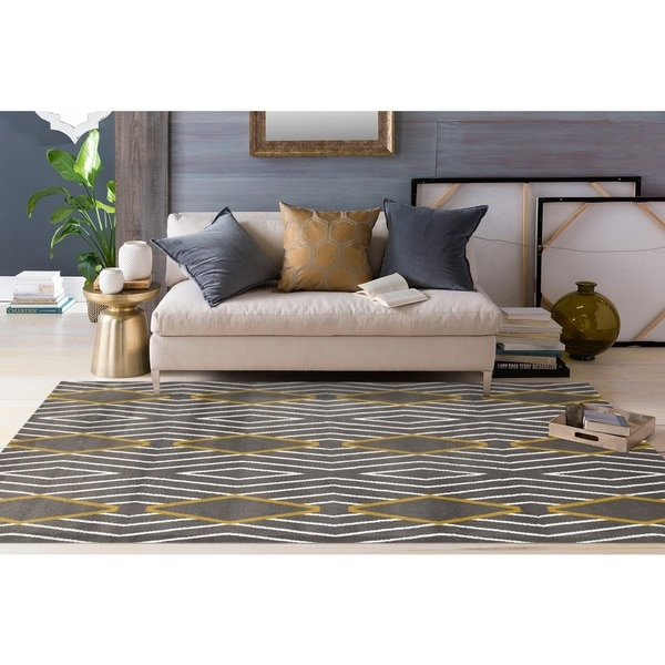 "Contemporary Diamond Stripe Yellow/Grey Area Rug - 7'10"" x 10'2"""
