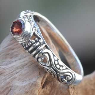 Handcrafted Sterling Silver 'Hearts Connected' Garnet Ring (Indonesia)