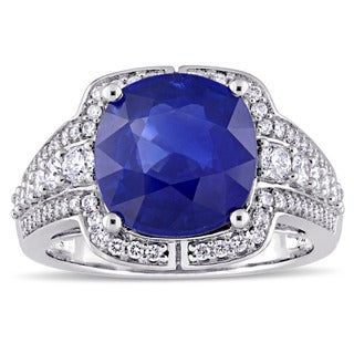Miadora Signature Collection 14k White Gold Cushion-Cut Sapphire and 3/4ct TDW Round-Cut Diamond Halo Ring (G-H, SI1-SI2)