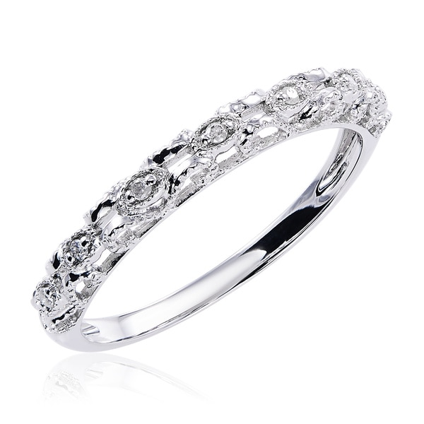 10K White Gold and Diamond Accent Vintage Band