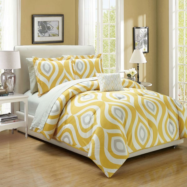 Brooklyn Yellow Print 8-Piece Bed in a Bag Set