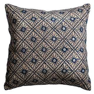 Rizzy Home Mirrored Discs Blue Cotton and Jute 20-inch Decorative Filled Throw Pillow