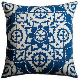 Rizzy Home Blue Cotton 18-inch x 18-inch Floral Decorative Filled Throw Pillow