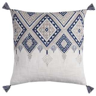 Rizzy Home Tribal Aztek Blue and Ivory Cotton 20-inch Square Tasseled Throw Pillow