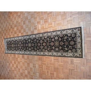 Black Wool Agra Hand-knotted Oriental Rug (2'7 x 12'1)