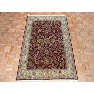 Hand Knotted Burgundy Fine Agra with Wool Oriental Rug (4'1 x 6'2)