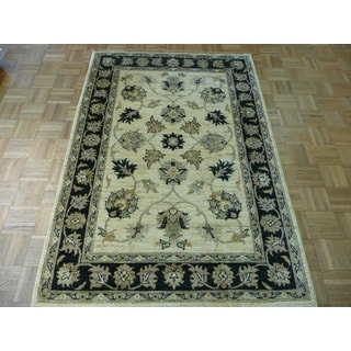 Oriental Ivory Wool Peshawar Hand-knotted Rug (4' x 6'1)