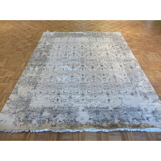 Ivory Tabriz with Silk Blend Hand-knotted Oriental Rug (7'11 x 10'1)