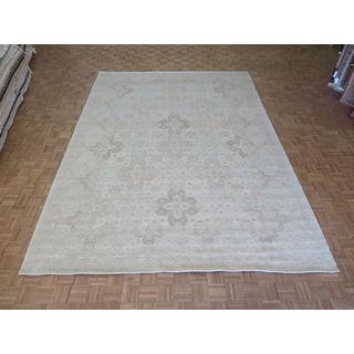 Oriental Beige Wool Peshawar Hand-knotted Rug (9'10 x 13'6)