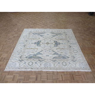 Ivory Wool Oushak Oriental Hand-knotted Rug (7'7 x 8'1)