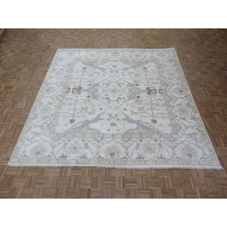 Oushak Ivory Wool Hand-Knotted Oriental Rug (9'10 x 9'11)