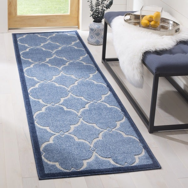 Safavieh Indoor / Outdoor Cottage Moroccan Blue / Cream Runner Rug - 2' x 8'