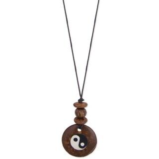 Adjustable Coconut Yin Yang Pendant Necklace