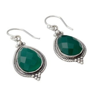 Handcrafted Sterling Silver 'Evergreen Romance' Green Onyx Earrings (India)