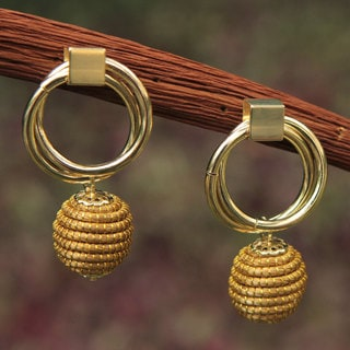 Handmade Golden Grass Gold Overlay 'Golden Balloons' Earrings (Brazil)