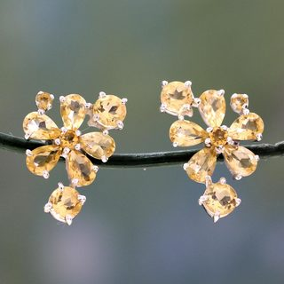 Handcrafted Sterling Silver 'Sunshine Petals' Citrine Earrings (India)