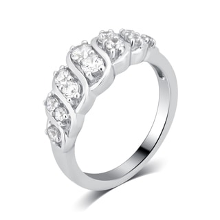 Divina Women's Sterling Silver 1 1/4-carat Cubic Zirconia Fashion Engagement Ring.