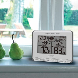 La Crosse Technology T83646 Wireless Weather Station with Time and Calendar