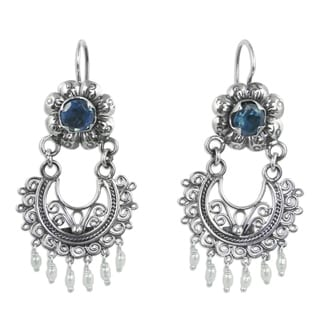 Handcrafted Sterling Silver 'Mazahua Lady' Blue Topaz Cultured Pearl Earrings (3 mm) (Mexico)