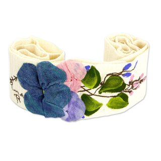 Handmade Cotton 'Petals on Cream' Sash (Mexico)