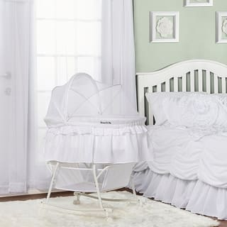 Dream On Me 'Lacy' White Plastic Portable 2-in-1 Bassinet and Cradle|https://ak1.ostkcdn.com/images/products/14356033/P20931815.jpg?impolicy=medium