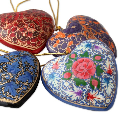 Set of 4 Handmade Papier Mache 'Bouquet of Hearts' Ornaments (India)