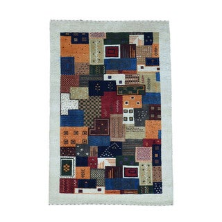 1800getarug Hand-Knotted 100 Percent Wool Lori Buft Gabbeh Oriental Rug (3'10x6'0)