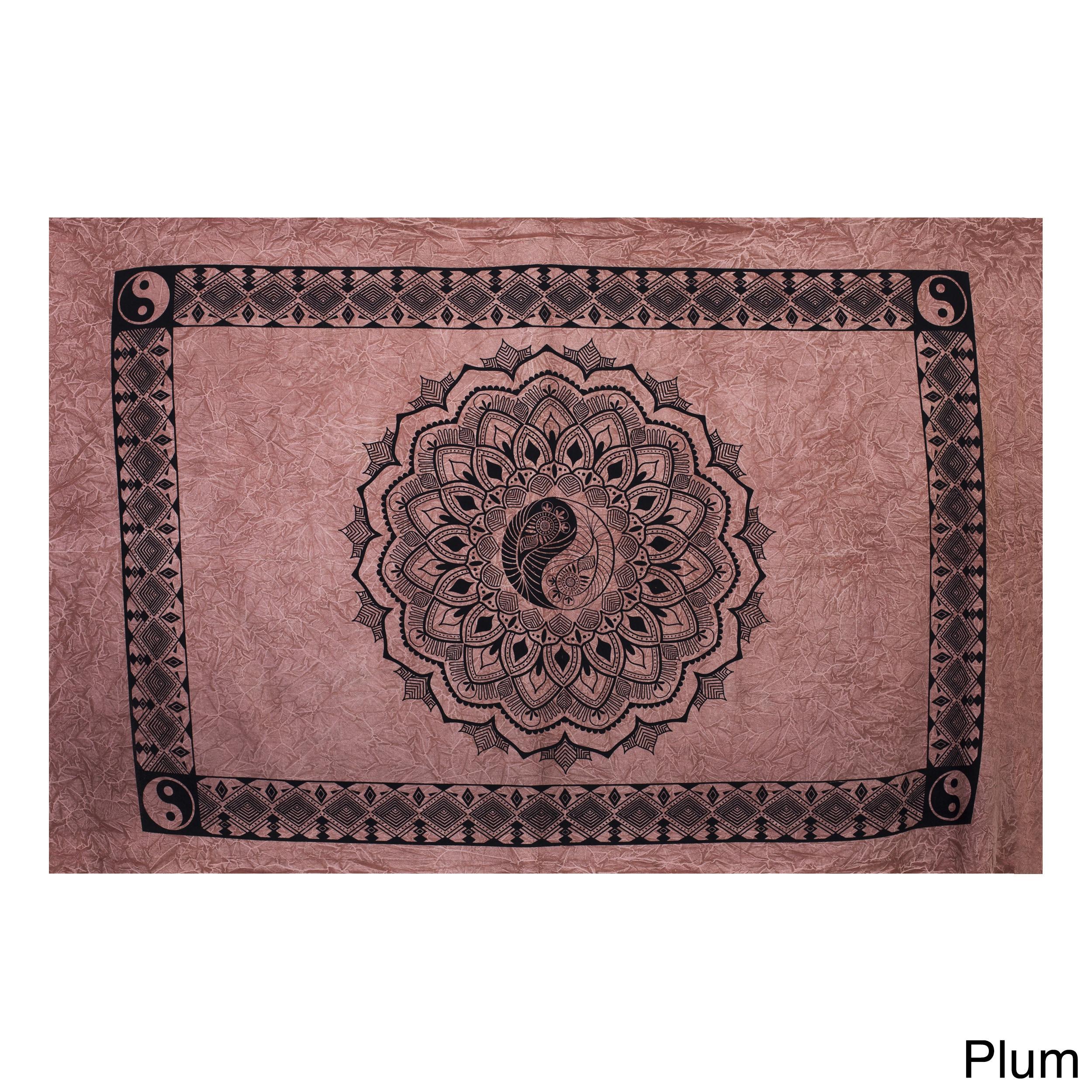 Handmade Yin Yang Lotus Pond Tapestry (India) (Plum), Bro...