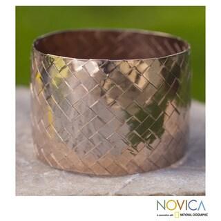 Handmade Pink Gold Overlay 'Chuspata Charm' Bracelet (Mexico)