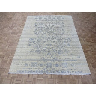 Hand-knotted Ivory Tone on Tone Silk Blend Oriental Rug (8'1 x 10'5)