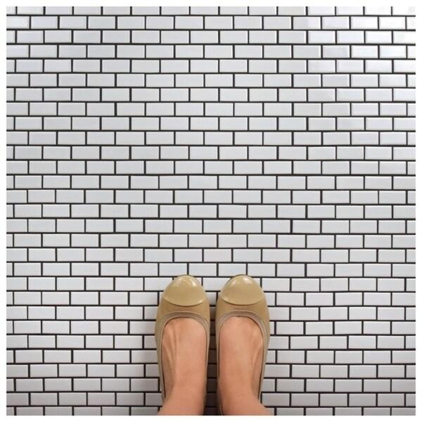 SomerTile 11.875x12-inch Zaharina Subway White Porcelain Mosaic Floor and Wall Tile (10 tiles/9.9 sqft.)