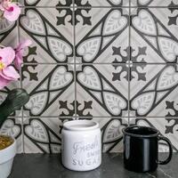 SomerTile 5.875x5.875-inch Calluna Mistral Porcelain Floor and Wall Tile (22 tiles/5.73 sqft.)